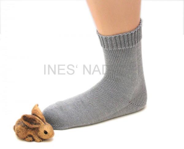 Socken aus Opal Uni mittelgrau Fb. 5193