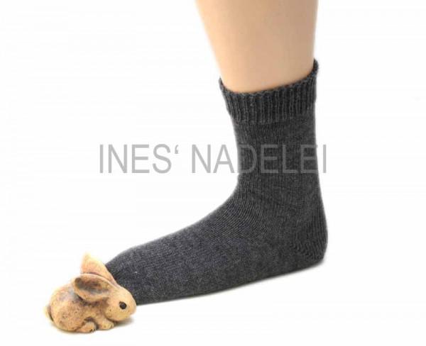 Socken aus Regia Standard-Uni mittelgrau meliert Fb. 44